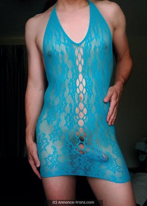 Travesti aimant le bondage et le SM