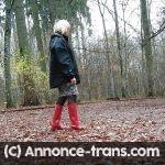 Travestie amateur fait la pute dans les bois