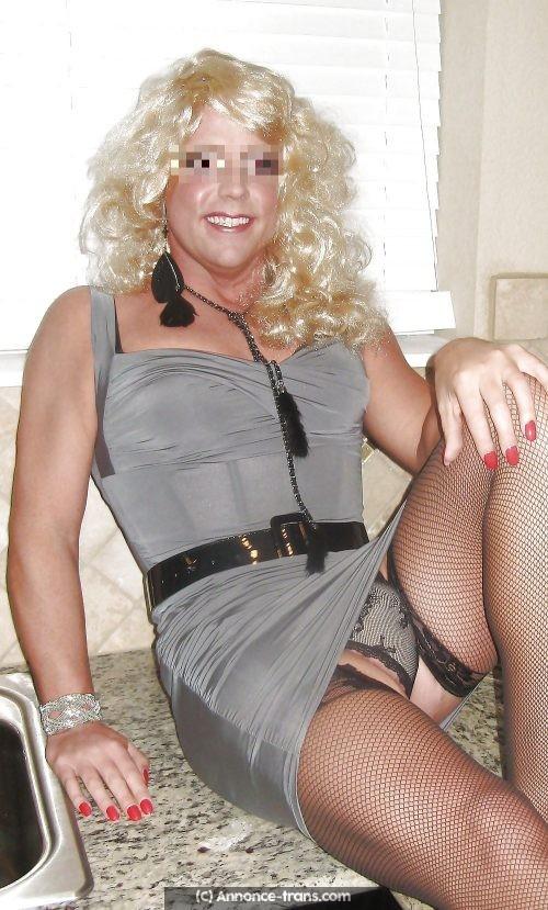 Travesti blonde 40 ans cherche jeune black
