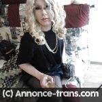 Jeune trans blonde