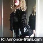 Travestie libertine aimant les hommes murs et dominants