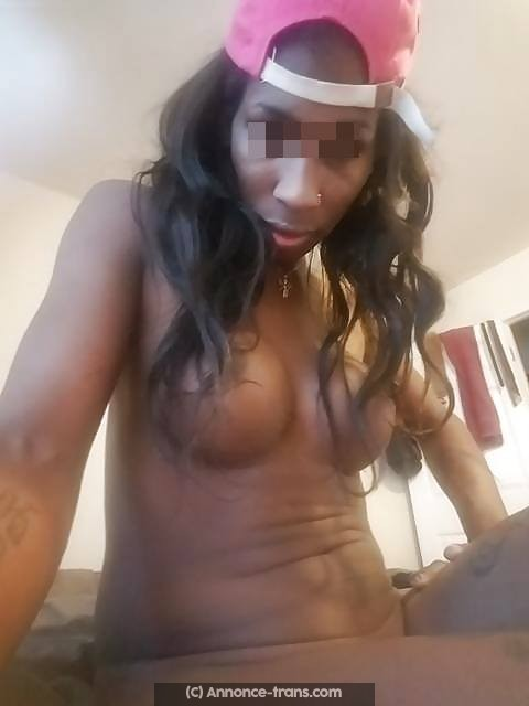 Terry la transexuelle black va te vider