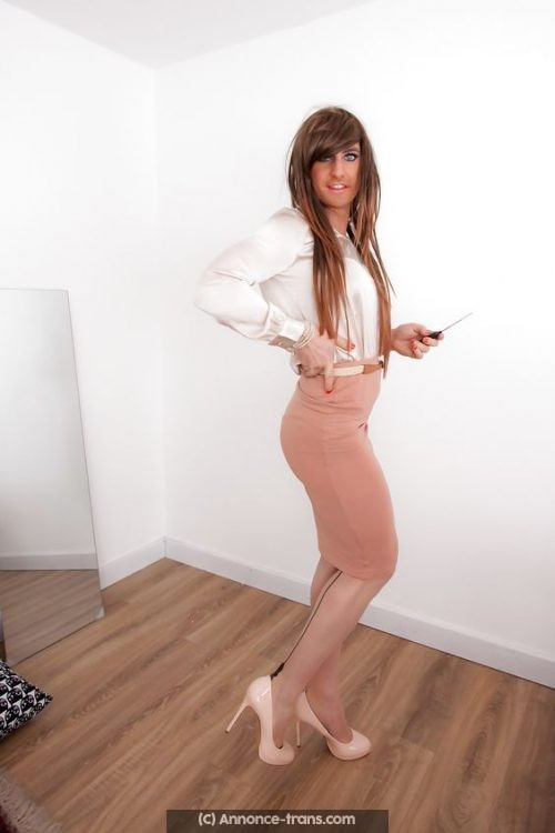 Travesti sexy cherche bite bien dure
